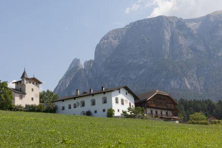 Zabytkowe farmy Roter Hahn - Tyrolska podróż w czasie