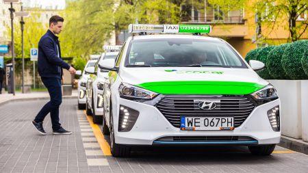 EcoCar powiększa flotę aut hybrydowych  i wprowadza na rynek taksówkowy  nowe IONIQ Hybrid marki Hyundai