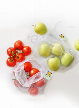 Zabierz torbę na zakupy – Lidl wprowadza woreczki wielokrotnego użyktu na warzywa i owoce